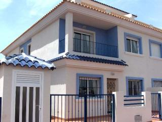 Villa Taylor . Beautiful 3 Bedroom Villa with pool, Los Alcázares