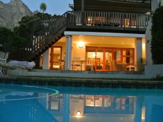 Villa on the Bay, Camps Bay