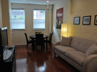 BEACON HILL FABULOUS ONE BEDROOM