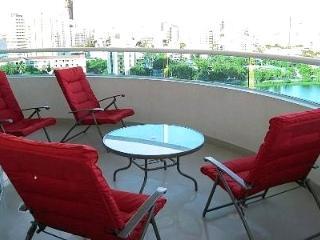 Semi-Penthouse Torres Del Lago -  Accommodates 10