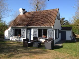 Villa au calme dans grand jardin a Oostduinkerke
