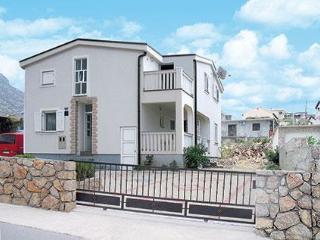 House Mira APP2, Karlobag