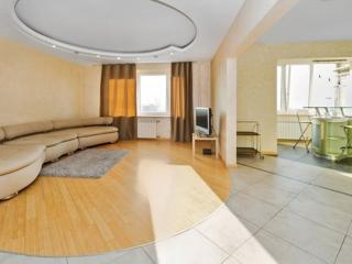 Cozy Apartment with panoramic views, Moskau