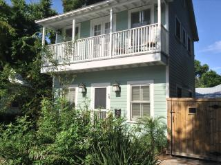 Lovely Home with Heated Pool in Historic Downtown!, St. Augustine