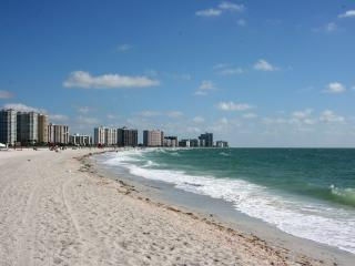 Affordable Luxury Directly On The Gulf Of Mexico.