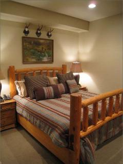 King Bed, Open Sleeping Room Lower Level