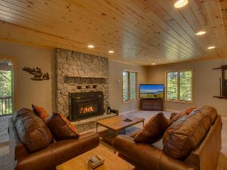 Sleeps 16 - 6BR with Hot tub & pool table!  Mountain living & Modern luxury. - The Monarch, South Lake Tahoe