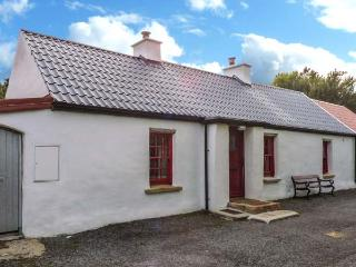 WILLOWBROOK COTTAGE, single-storey cottage, close fishing, countryside, in Askill near Bundoran, Ref 20421