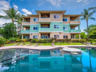 Great Ocean Views! 2007 Built Penthouse at Kahaluu, Kailua-Kona