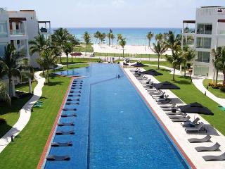 BEACH FRONT + GROUND FLOOR + GYM + PRIVATE BEACH CLUB + BUSINESS CENTER, Playa del Carmen