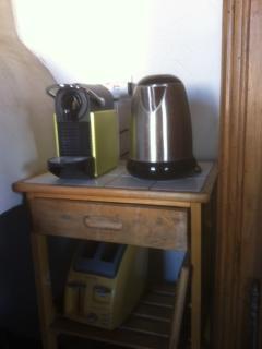 Nespresso coffee  maker & electric kettle