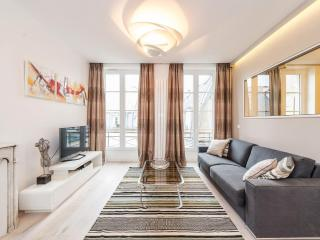 MONTORGUEIL Area = HEART OF PARIS ; MODERN, BRIGHT, SLEEPS 6 !, París