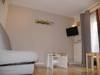 appartement entièrement rénové avec garage, Bagneres-de-Luchon