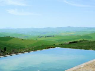 Farmhouse with pool and fantastic view in Sicily
