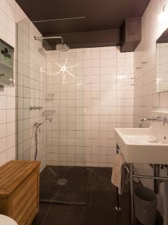 bathroom-1