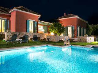 Villa Oxopetra, Svoronata