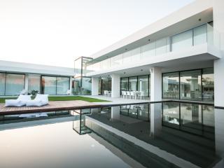 Super Luxurious 6 Bedroom Villa in Vilamoura