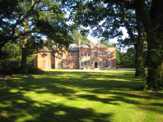 Woodhall Spa Manor - Stylish Secret Escape