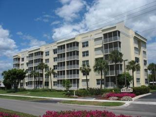 Essex South Beach! Great Nov & Dec Holiday Rates!, Marco Island