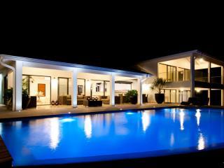 Oceans House - Villa d'exception les pieds dans l'eau - piscine a debordement