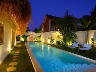 Trendy Tropical and Comfy Villa Seminyak Oberoi