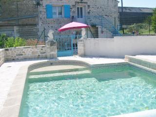Bergerie en pierre, Mortagne-sur-Gironde
