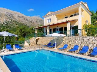 Villa Hellena - 4 bedrooms with private pool & Wi-Fi !!!