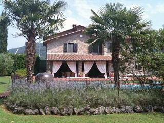 Villa Lavanda Exclusive Villa, pool, Wi fi, BBQ close to Beaches & Cinque Terre