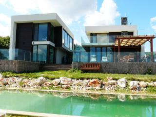 Private Estate Sea View 6 bed villa near Albena Beach, Osenovo
