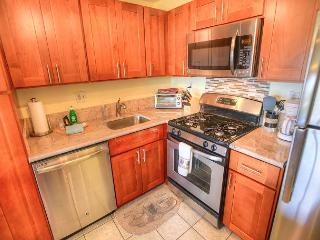 FALL SPECIALS! Beautifully Renovated 5th Floor Ocean View Condo, Kihei