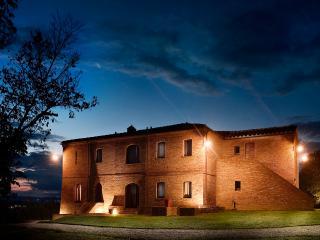 Agricola Neci: Tuscan Rural Luxury, Buonconvento