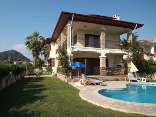 Villa Florence, Akbuk