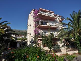 7 pax apartment Stone House  Dane Podstrana/Split