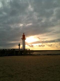 coucher de soleil sur le phare-balade après diner...