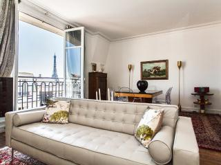 Classic apartment with view of Eiffel Tower, París