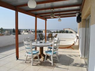 Stylish penthouse, amazing views, Larnaka City