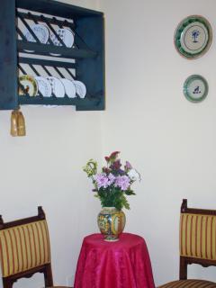 Angolo relax della cucina-sala da pranzo. Dove poter bere un tè e leggere un libro