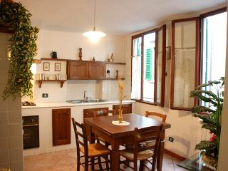 Classic Italian home away from home, Arno river, Florence