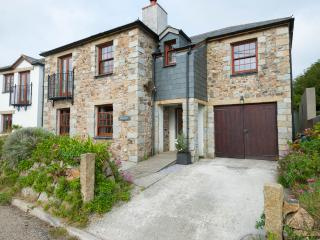 Beautiful seaside cottage on The Lizard, Helston