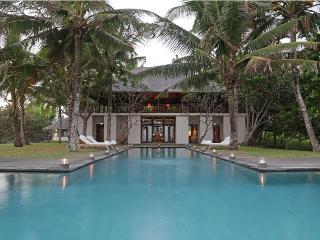 Villa Lalang Beachfront By Balion