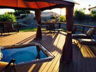 Relax! 3B/2B w/Spa Overlooking Natural Desert Wash (Email - Snowbird Discount), Lake Havasu City
