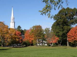 N.E. Foliage & Charm. Home near Boston/Colleges!