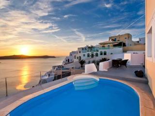 Santorini Holiday Triple Sea View Apartments 1078, Firá
