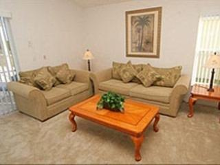 Stately 5 Bedroom 4 Bath Pool Home with Three Masters. 500FL, Kissimmee