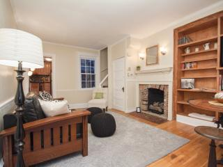 Charming Home on Walking Street in Washington Sq, Filadelfia