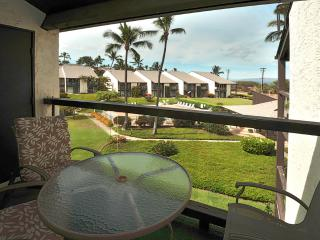 Lanai seats 4 - ocean and pool views