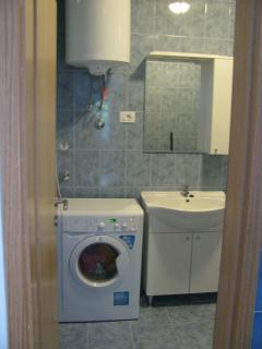 Bathroom with wasch machine