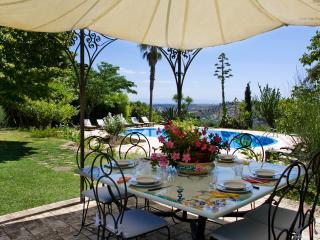 Villa Il Giglio con piscina, Caltagirone