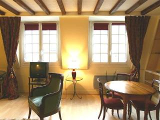 Ile Saint Louis 1 bedroom (2615), Paris