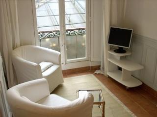 Marais 1 Bedroom (2590)